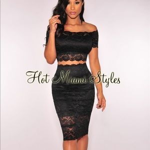 Over the shoulder black lace two piece dress